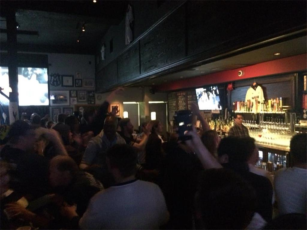 THFC breaks Premier League attendance record for the third time. Half-functioning at 4.30am but the crowd kept going. L.A. Spurs at the 195th NLD viewing at The Greyhound Bar & Grill, Los Angeles