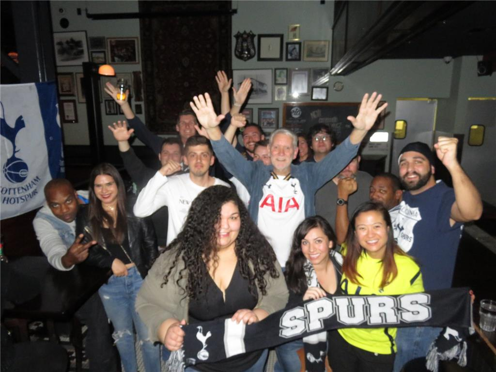 L.A. Spurs meet up before the North London Derby viewing.