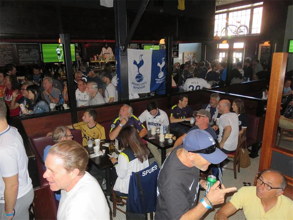 It's a full house at FA Cup Semi-Finals viewing vs Manchester United. Photo credits - Graeme Rudge.