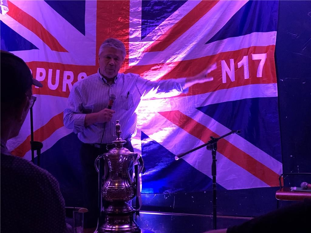 Former long-serving Tottenham captain Steve Perryman, and his wife, Kim, are here in L.A. with FA Cup. Fearless with strong work ethic, Steve also a great storyteller with good sense of humor. Thanks Kiwi Spurs for arranging this event and the FA Cup.