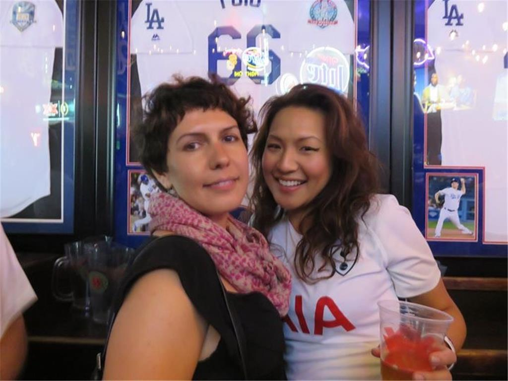 THFC traveling supporter from East Coast, Sarah, and her friend Jenny