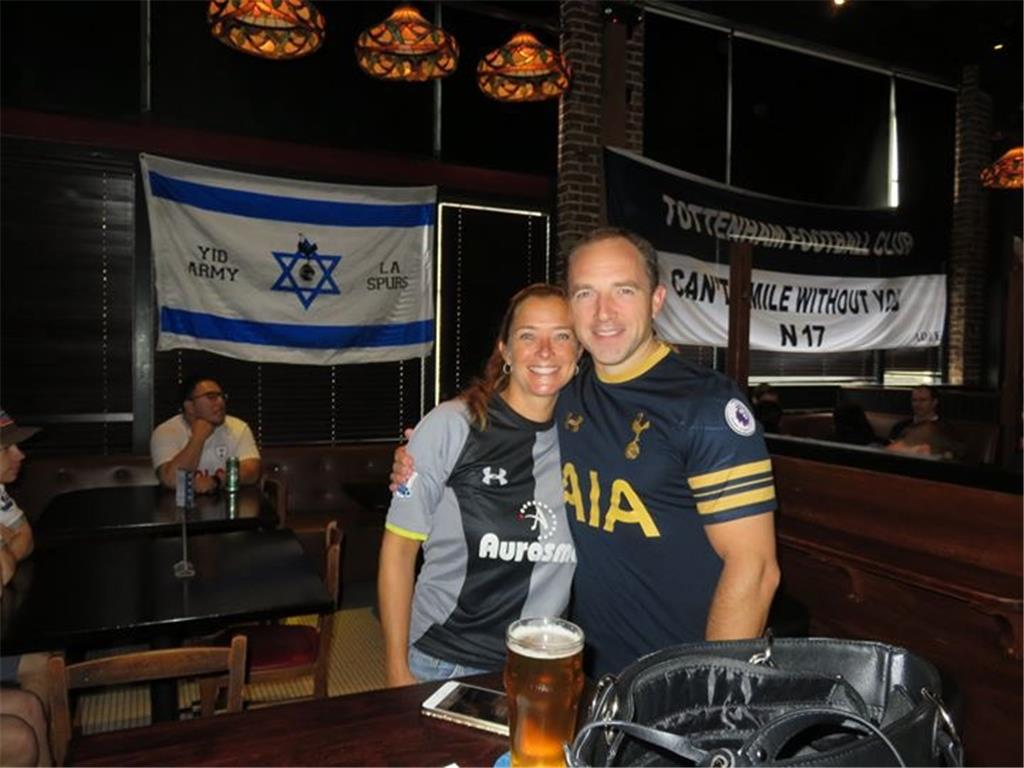 Welcome to LA Spurs! Visiting fans join in to watch Tottenham 3-1 Fulham.