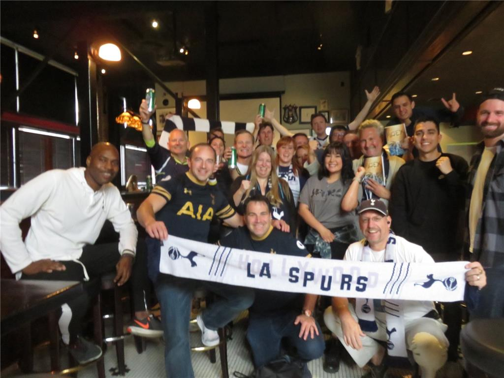 "LA Spurs Ashley Collie with his ""Rejex"" book-signing party!"